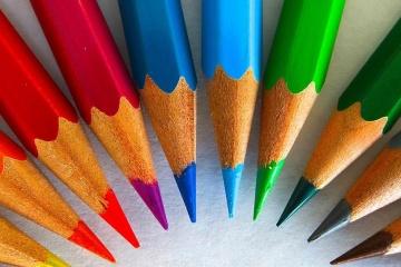 matite colorate disposte in cerchio